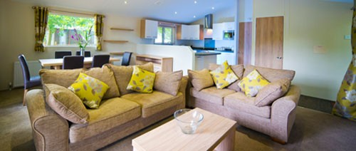 rosewood 500x212large Lounge2